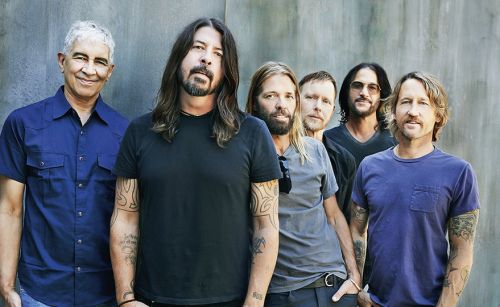 Foo Fighters, Tina Turner e Jay-Z entrarão no Hall da Fama do Rock. Iron Maiden fica de fora
